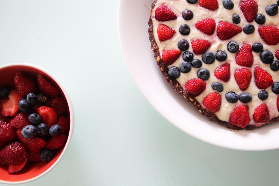 summer-berry-&-cream-chocolate-tart