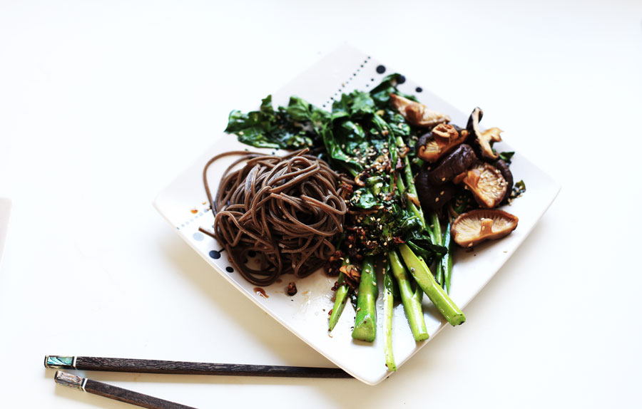 chinese brocolli, soba and shitake mushrooms