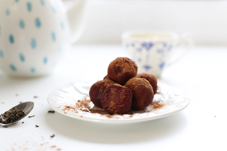 Delicious green tea, beetroot and chocolate raw truffles